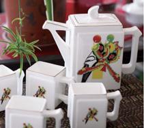5头书型脸谱骨质瓷茶具