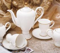15头金奖杯骨质瓷咖啡具