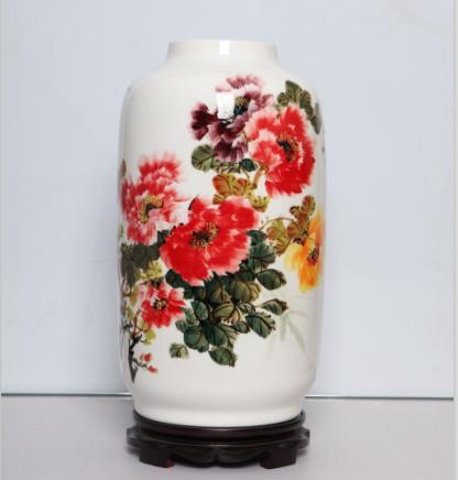 手绘骨质瓷釉下彩花瓶