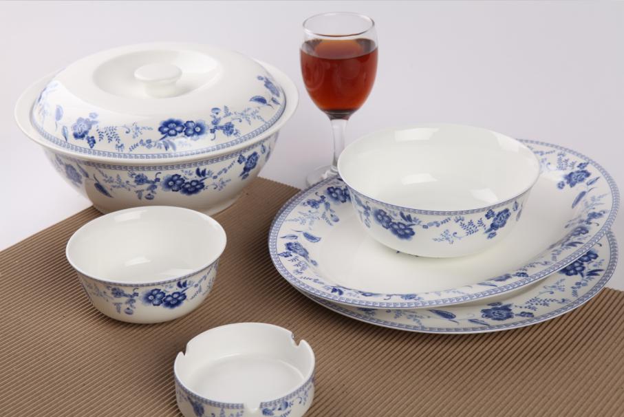 48头蓝花之恋骨质瓷餐具