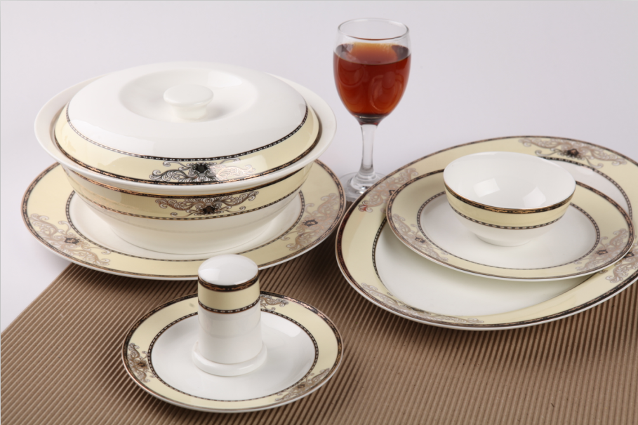 46头金色年华骨质瓷餐具