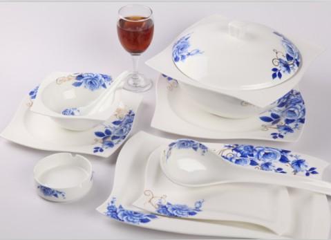 28头坤轮蓝玫瑰骨质瓷餐具