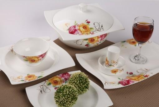 28头坤轮玫瑰物语骨质瓷餐具