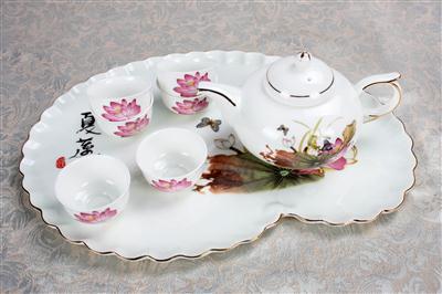 8头骨质瓷茶具睡莲 夏恋