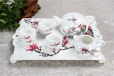 9头骨质瓷茶具醉熏春风
