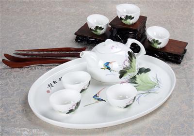 8头骨质瓷茶具 荷韵