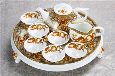 9头玉龙圆形骨质瓷茶海